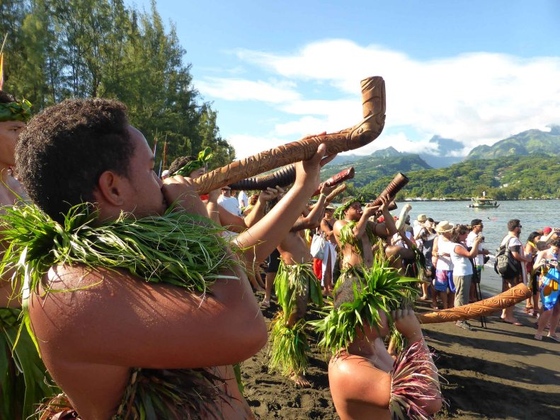 Matavai Bay, Tahiti. Reception ceremony for Hawaiian Outriggers Hokule'a and Hikianalia.